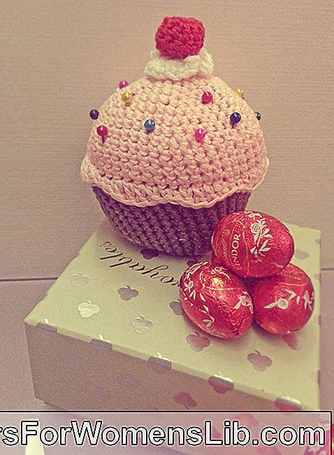 Pincushion Crochet Cupcake