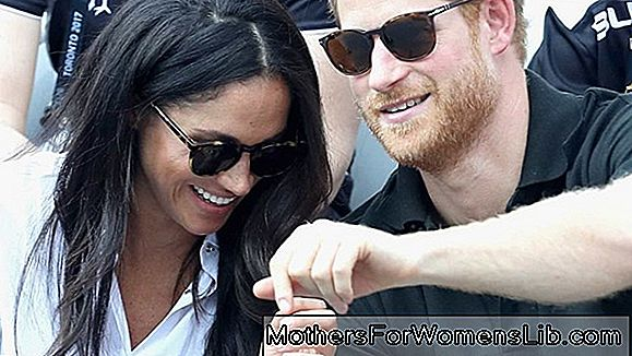 As fotos oficiais do noivado do príncipe Harry e Meghan, é o que ela usava